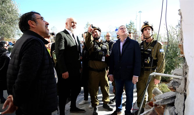 Albanian's prime minister meets with IDF team in affected area